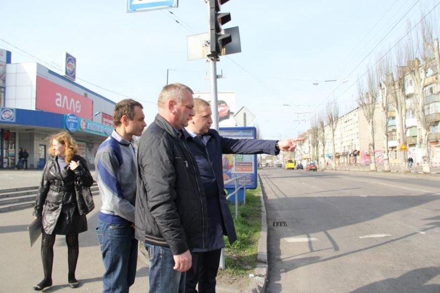 После ремонта на дороге по улице Первомайской остались ямы (фото и видео), фото-1