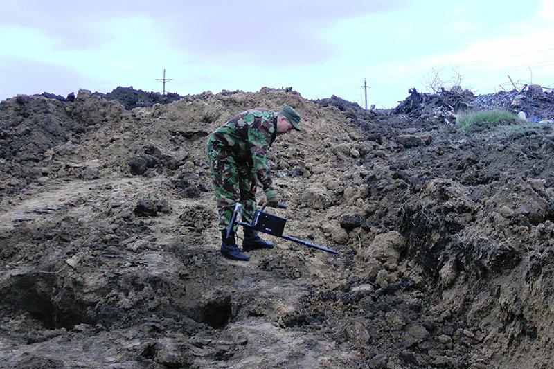 Под Белгородом тракторист отрыл 176 миномётных мин (фото) - фото 1