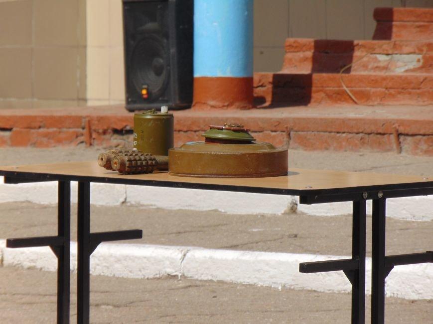 В мариупольской школе №3 не произошел взрыв из-за потери сознания школьником (фото) - фото 4