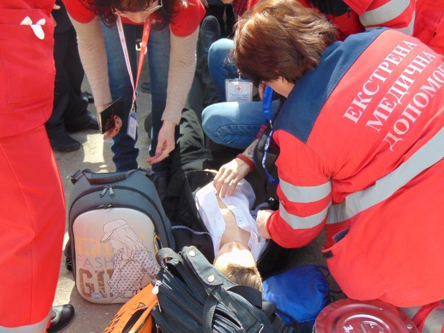 В мариупольской школе №3 не произошел взрыв из-за потери сознания школьником (фото) - фото 2