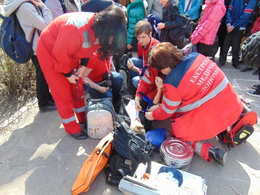 В мариупольской школе №3 не произошел взрыв из-за потери сознания школьником (фото) - фото 3