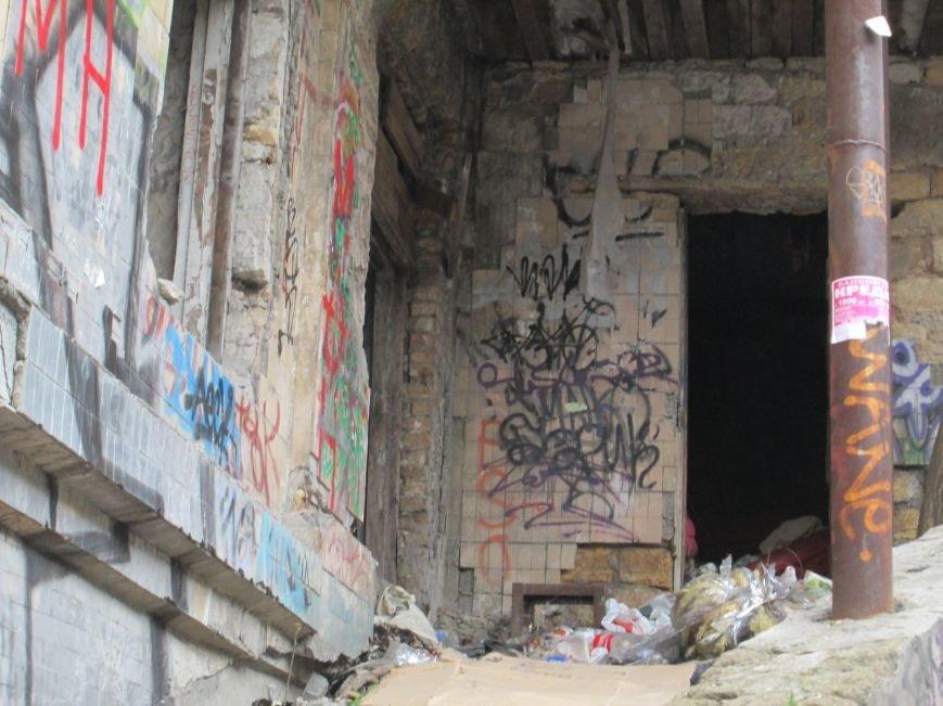 06e5774f3e77f8cf0fb966415c765642 В центре Одессы мусорная свалка шокирует туристов