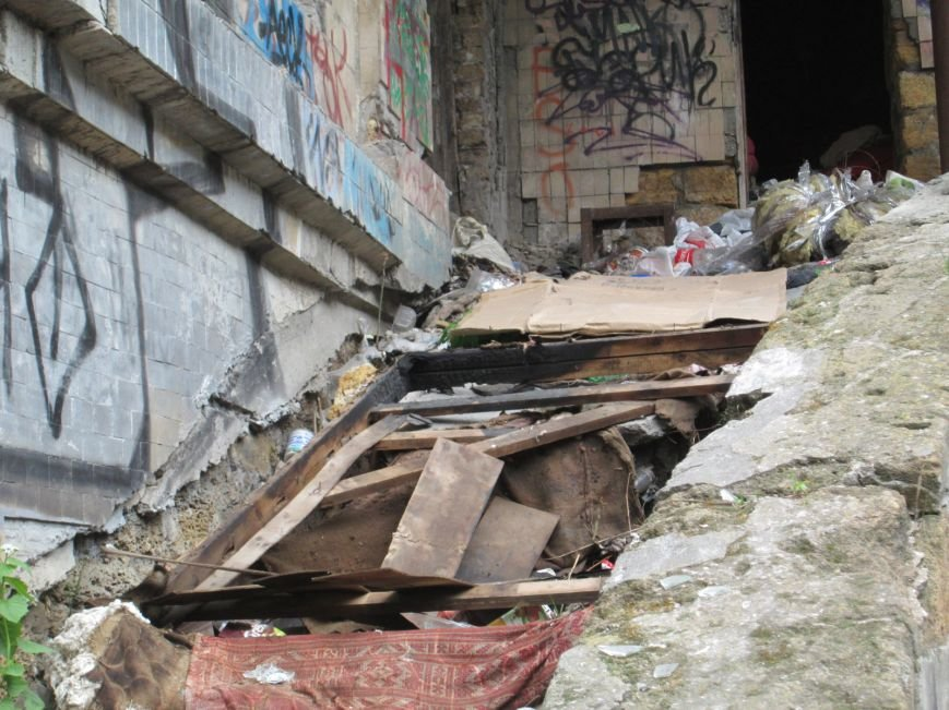 4834f85ff8929d071e61626fe5585177 В центре Одессы мусорная свалка шокирует туристов