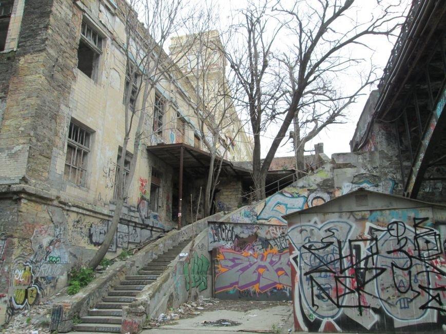bfd32f0d1cbcfec0ca760a07626a73af В центре Одессы мусорная свалка шокирует туристов