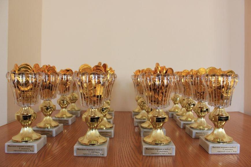 Более 20 спортсменов из Бахмута получают стипендии горсовета, фото-4