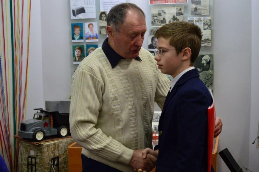 Школьники из города Пушкина вернули имя безымянному солдату и нашли его родных (фото) - фото 1