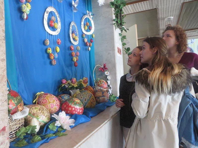 Виставка писанок відкрилася у Черкаському Палаці молоді (ФОТО), фото-2