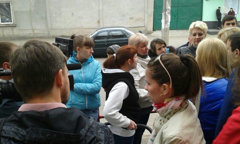 33dd50c767a306afb1220fed1aa7e683 Мамочки одесской Слободки бастуют против закрытия детской поликлиники