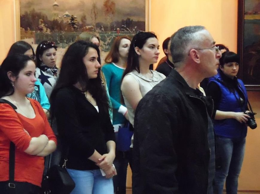 В Бердянском художественном музее открылась фотовыставка (фото) - фото 5
