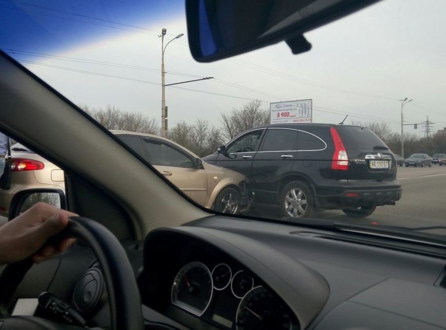 ДТП на Запорожском шоссе: столкнулись две иномарки (ФОТО) (фото) - фото 1