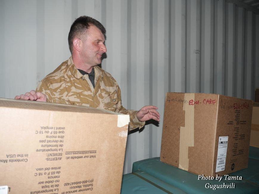 Понад 14 тонн гуманітарного вантажу надіслали зі США до Тернополя (Фото) (фото) - фото 2