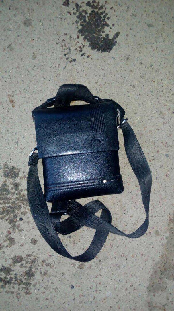 У Тернополі патрульні допомогли п'яному чоловікові повернути його зниклі речі (фото) (фото) - фото 1