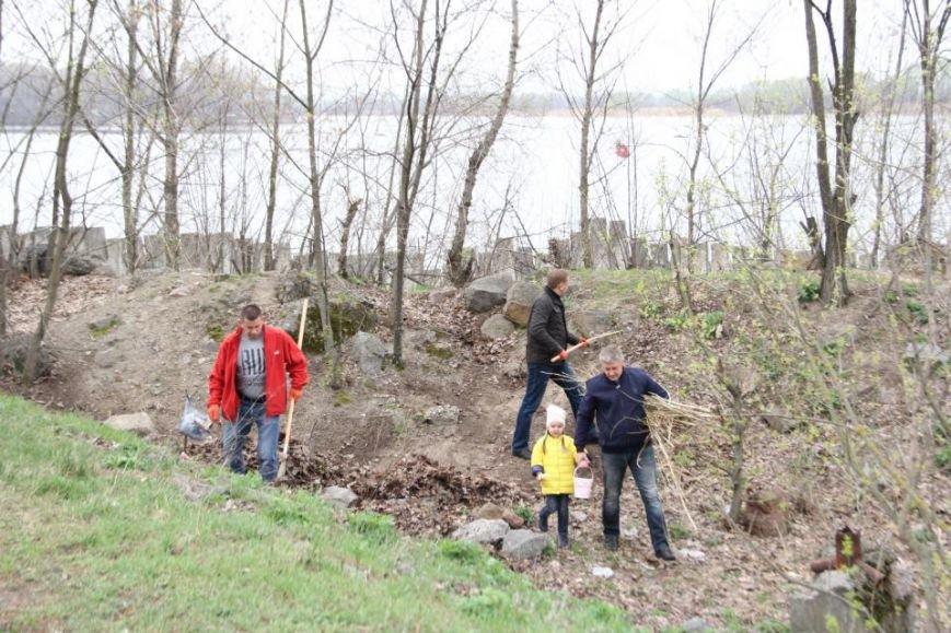 Как мэр Кременчуга со своими замами на набережной Днепра прибирались (фото и видео), фото-4