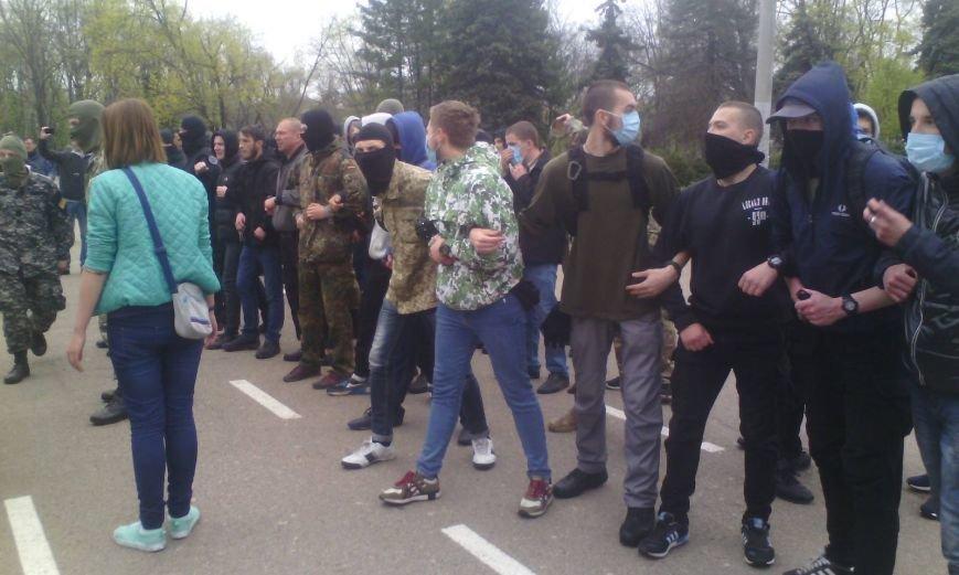 В центре Одессы драка: сепаратистов атаковали антифашисты с Евромайдана (ОБНОВЛЯЕТСЯ, ДОБАВЛЕНО ФОТО) (фото) - фото 1