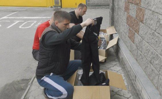 Майбутні патрульні поліцейські Рівного отримали формений одяг (фото) - фото 4