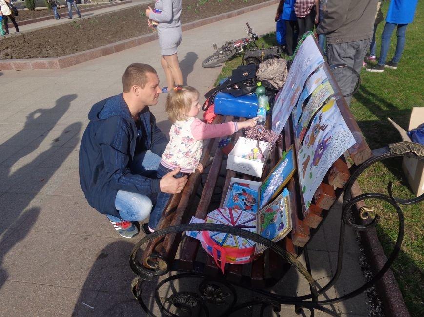 Центр Поддержки Семьи Красноармейска превратил площадь Шибанкова в гигантскую спортивную и игровую площадку (фото) - фото 24