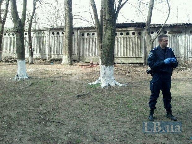 На Оболони прохожие нашли труп в одеяле (ФОТО) (фото) - фото 1