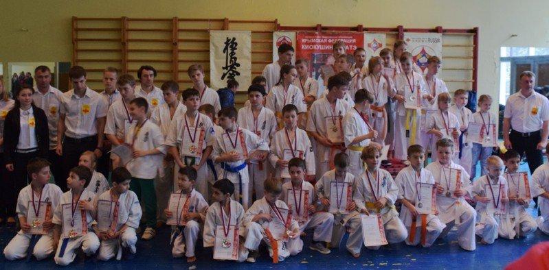В Симеизе соревновались юные каратисты, фото-1