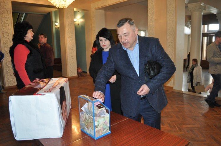 На лечение четырехлетнего краматорчанина во время концерта собрали 46 тысяч гривен, фото-2