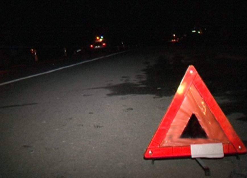 Ночью водитель «десятки» въехал в уборочный автомобиль в Балаково (фото) - фото 1
