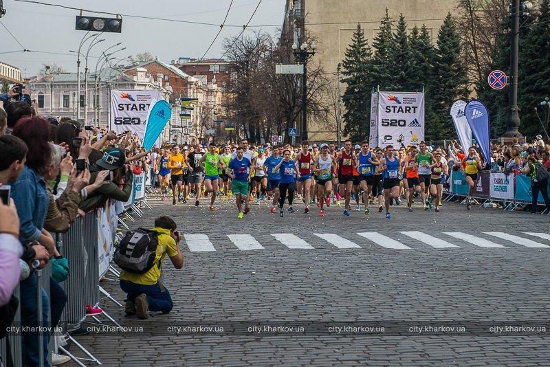 Бахмутчанин занял призовое место в Харьковском Международном марафоне (фото) - фото 1