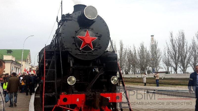 «Поезд Победы» встретили в Феодосии (ФОТО) (фото) - фото 1