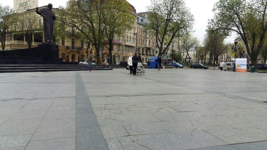 Стало відомо, коли у Львові відремонтують площу біля постаменту Тарасові Шевченкові (ФОТО) (фото) - фото 1