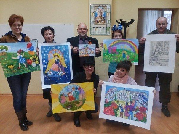 Рисунки детей Макеевки представлены на экспозиции в Москве (фото) - фото 1