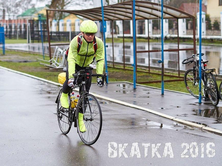 «Дождь никого не испугал». Как велосипедисты в Полоцке «вкатывались» в сезон (фото) - фото 3