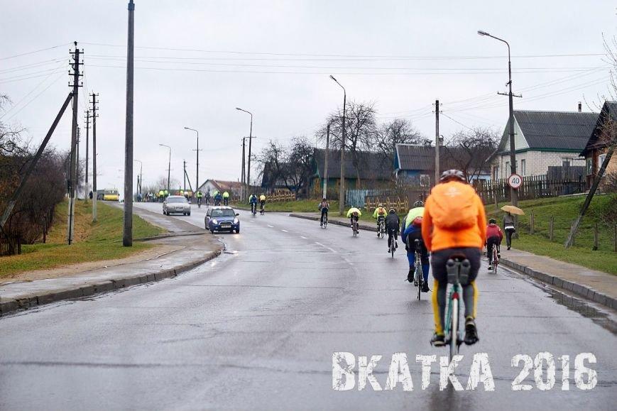 «Дождь никого не испугал». Как велосипедисты в Полоцке «вкатывались» в сезон (фото) - фото 6