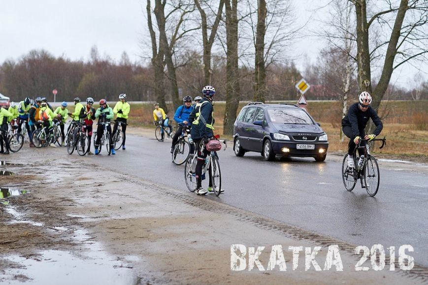 «Дождь никого не испугал». Как велосипедисты в Полоцке «вкатывались» в сезон (фото) - фото 5