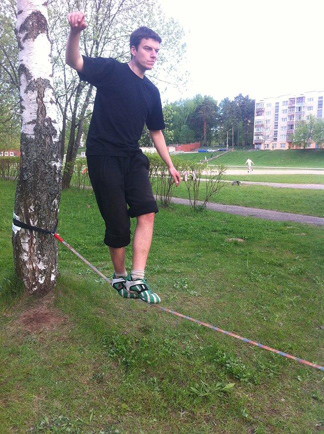 «Мой рекорд – 45 метров туда и обратно по ленте»: что такое слэклайн и кто «привел» его в Новополоцк? (фото) - фото 1