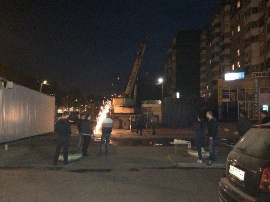 Поздно вечером на Фрунзенском играли в шахматы киосками: было-стало (ФОТО) (фото) - фото 3