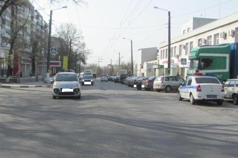 В Белгороде столкнулись три вазовские легковушки и «КИА» (фото) - фото 2