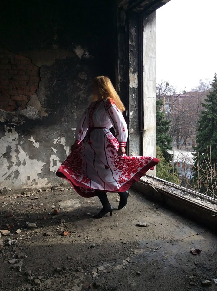 Модельний показ черкаської мисткині став благодійним проектом на підтримку драмтеатру (ФОТО), фото-3
