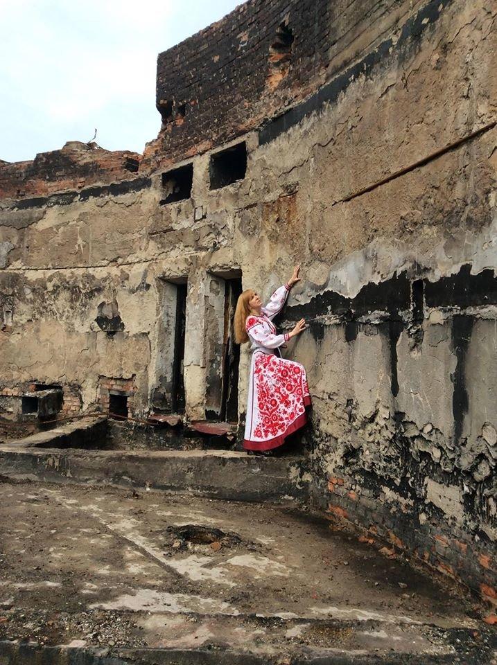 Модельний показ черкаської мисткині став благодійним проектом на підтримку драмтеатру (ФОТО), фото-1