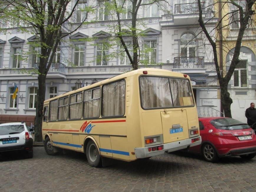 "d2fe210b3ead8d99f7085ac1de872a72 Одесская полиция ""утихомирила"" прокурорский майдан"