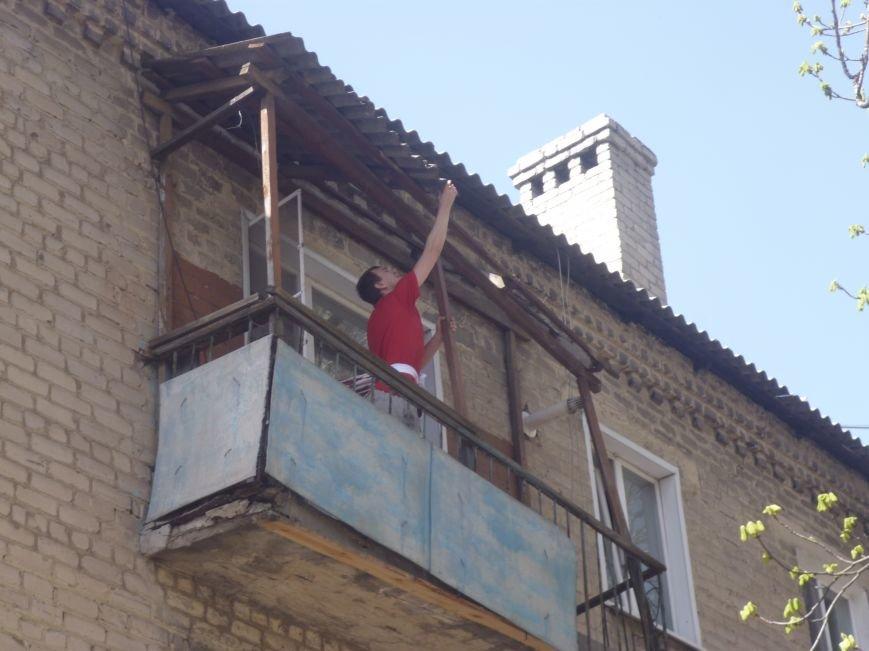 Как движется прогресс с аварийными балконами в центре Красноармейска (Покровска)? (фото) - фото 7