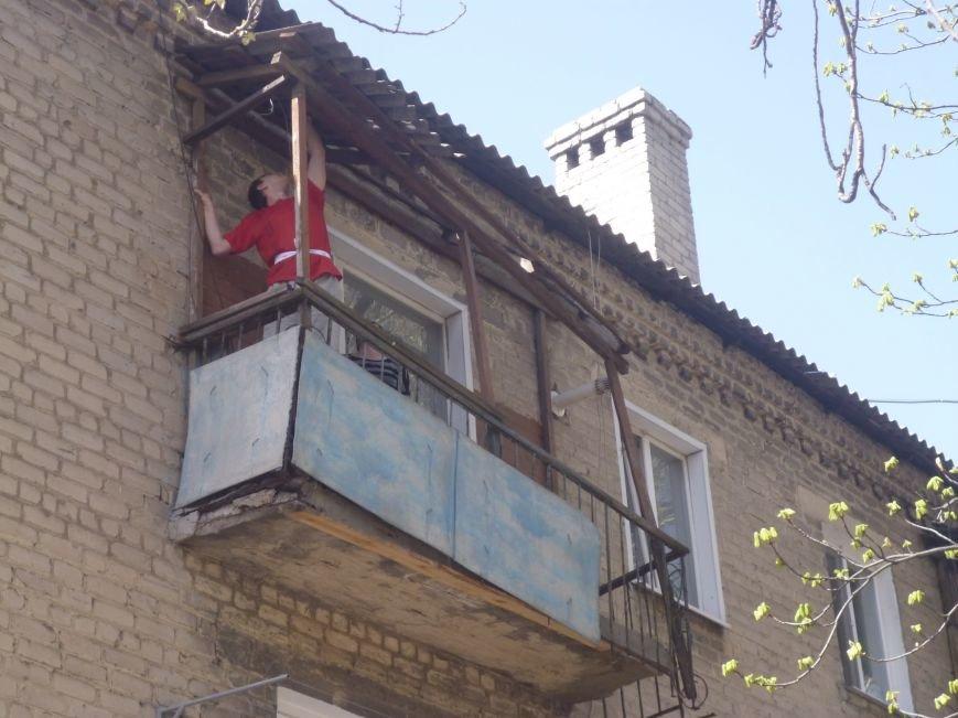 Как движется прогресс с аварийными балконами в центре Красноармейска (Покровска)? (фото) - фото 6
