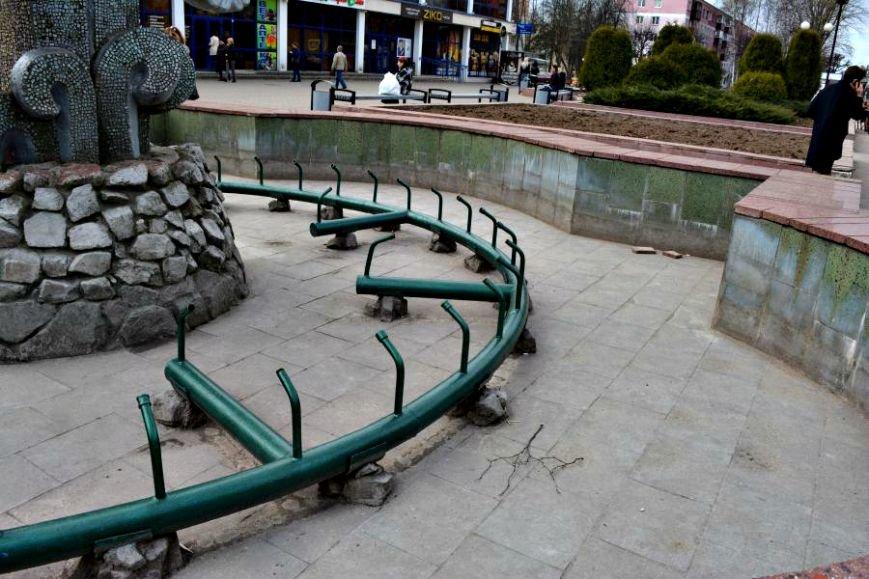 «11 тысяч кубов питьевой воды в год». 1 мая в Новополоцке включат фонтаны, фото-17
