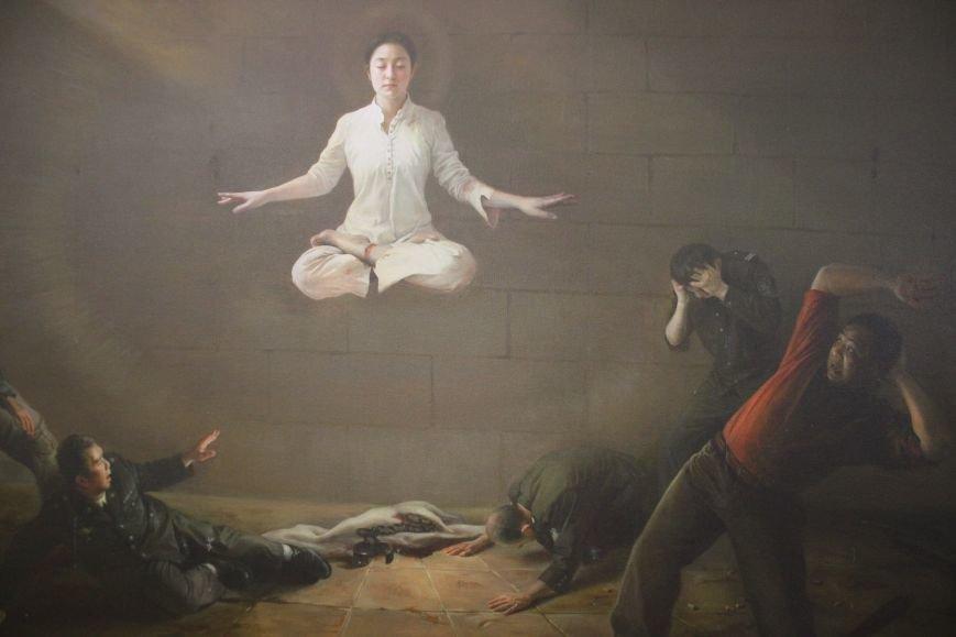 В Днепропетровске открылась нашумевшая выставка китайского сюрреализма: как журналисты искали в филармонии сектантов (ФОТО), фото-22