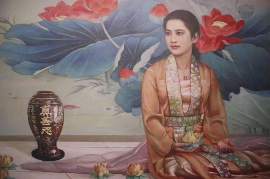 В Днепропетровске открылась нашумевшая выставка китайского сюрреализма: как журналисты искали в филармонии сектантов (ФОТО), фото-7