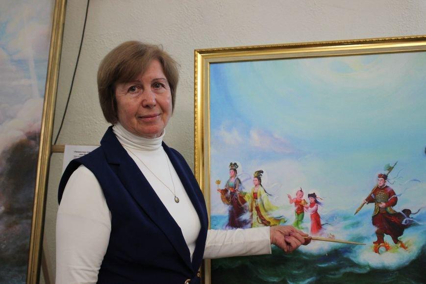В Днепропетровске открылась нашумевшая выставка китайского сюрреализма: как журналисты искали в филармонии сектантов (ФОТО), фото-1