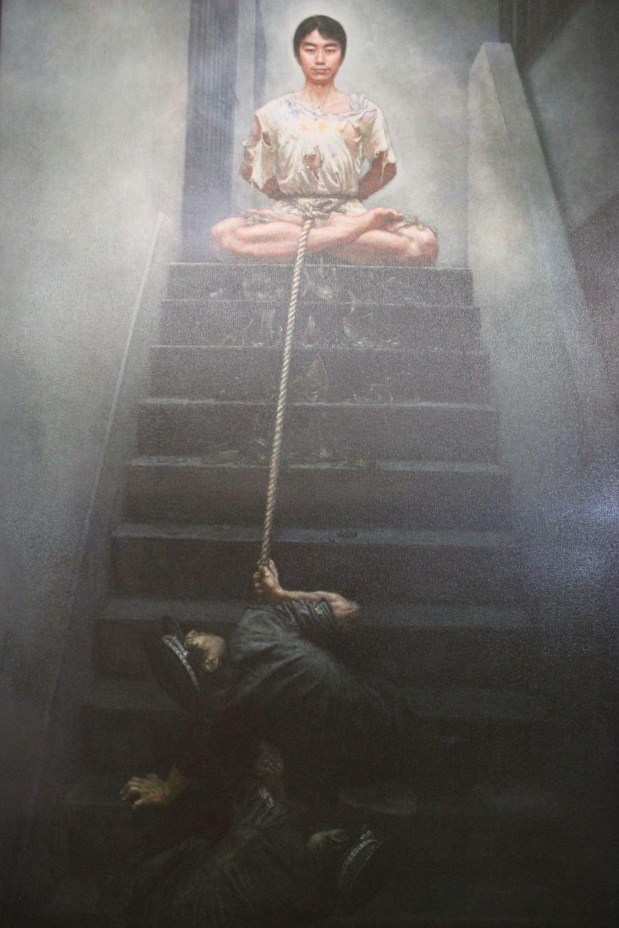 В Днепропетровске открылась нашумевшая выставка китайского сюрреализма: как журналисты искали в филармонии сектантов (ФОТО), фото-19