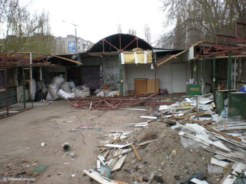 На Намыве демонтировали заброшенный