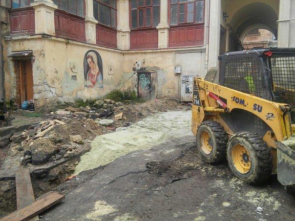 У Львові розпочали реставрувати Вірменське подвір'я (ФОТО) (фото) - фото 4