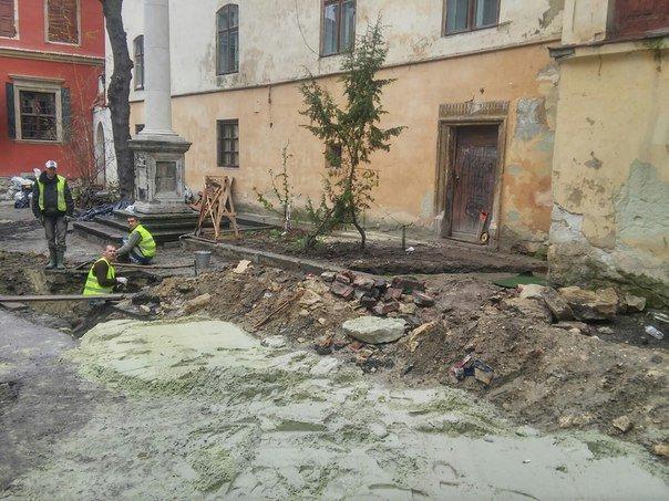 У Львові розпочали реставрувати Вірменське подвір'я (ФОТО) (фото) - фото 2