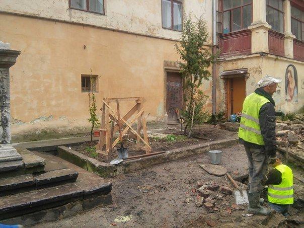 У Львові розпочали реставрувати Вірменське подвір'я (ФОТО) (фото) - фото 7