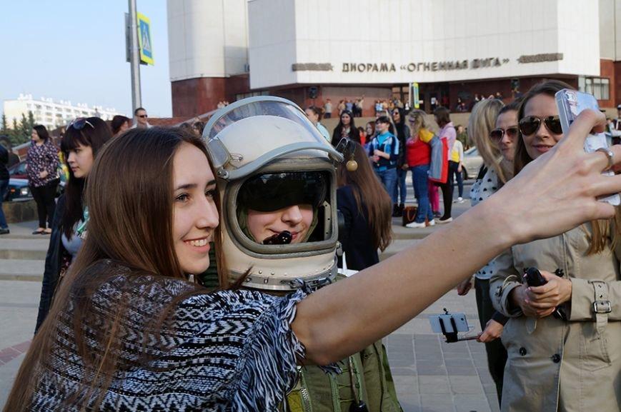 Белгородцы запустили в небо портрет Юрия Гагарина (фото) - фото 1