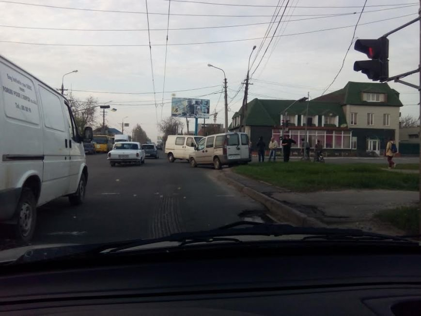 В Мариуполе столкнулись два микроавтобуса (ФОТО), фото-3